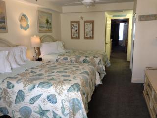 2 Queen Beds (Room 208)