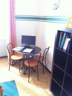 triple room table