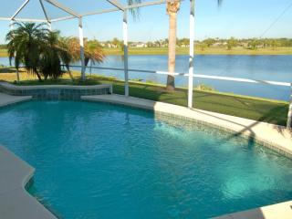 Golfers Paradise. Luxury 6 Bed Villa with own pool. Gated golf Resort nr Disney