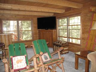 Luxury Lodge Secluded Deep in the Forest, Pine Mountain Club