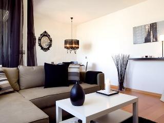 Stylish Beach Apartment B230