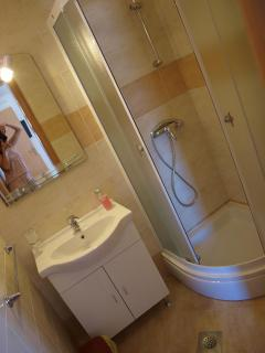 bathroom-in all rooms are similar