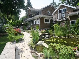 The Bayridge cottage (#801), Owen Sound