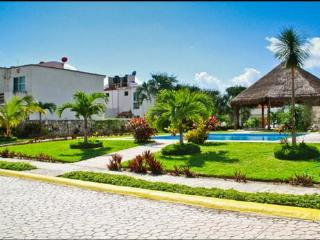 Nice condo for rent at Playa del Carmen Mexico !