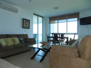 F3-11C, 2 Bdrm 11th floor condo, Farallón (Playa Blanca)