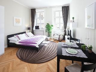 Chic Studio Apartment