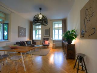 One-Bedroom Stylish Apartment, Praga