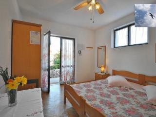 A- Close to sea apartment, Jelsa
