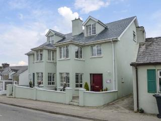 SURIFINA, family-friendly cottage, close to beach, in popular town of Duncannon,