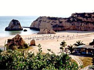 portugal algarve- Praia da rocha 100m from beach
