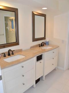 Master Suite Bathroom - freshly remodeled