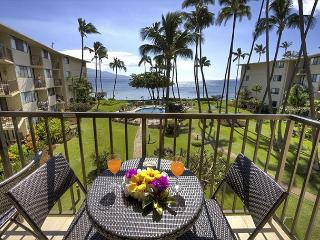 Kanai A Nalu #311  Direct Oceanfront with GREAT Oceanviews 2/2 Sleeps 4., Wailuku