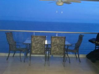 New Luxury Beachfront 2BR 2BA Condo - Ocean Views, Bucerias
