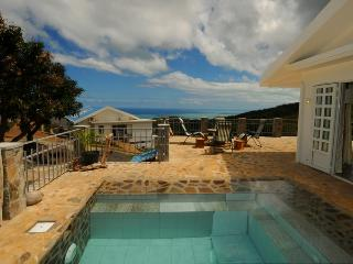 """Mon Refuge"" in Rodrigues, with pool, near gravier, Coromandel"