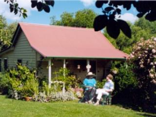 Poppy's Cottage B&B, Armidale