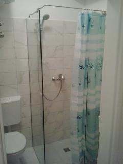 bathroom no.1