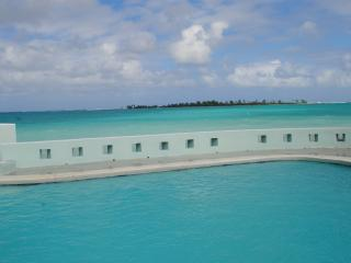 Seaduction-Oceanfront 5 bedrooms, heated pool!, Nassau