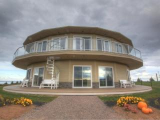Canada's Rotating House, Suites, & Tours