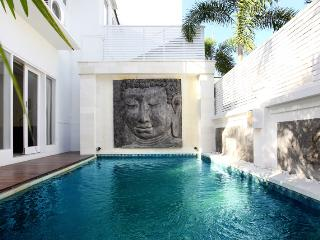 Bali Holiday Villa For Rent
