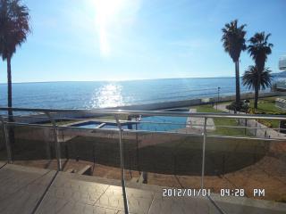 LUXURY SEASIDE APPT. CAMBRILS SALOU PORT AVENTURA SPECIAL RATE!!! 700 € wk July