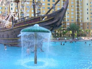 Luxury Condo 2 Br 2 Bath - Pirate Ship Pool View!, Orlando
