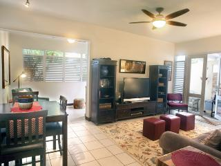 ThreeBedroom Garden Beach Townhouse, San Juan