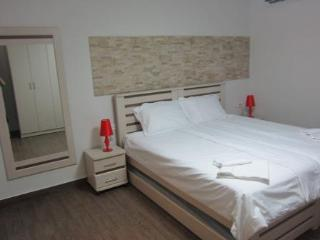 Segal in Jerusalem Center (3 rooms apartment)