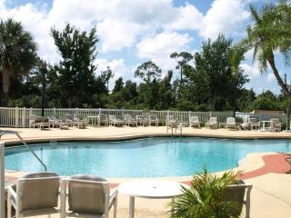 Beautiful Two Bedroom Two Bathroom Condo, Poinciana