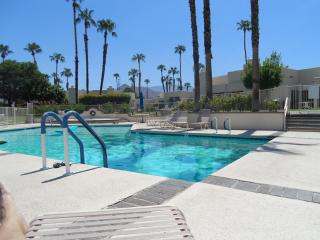 """ Spring Special"" 3 br. 2 bath, over 1600 sq.ft., Palm Springs"