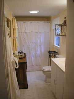 Bathroom with Tub/Shower Unit
