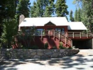 Relax at Red House by the Lake W Hot Tub and Pier, Tahoe Vista