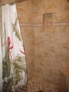 Oversized shower w/ seat