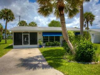 Cool Breeze Cottage...on Manasota Key...