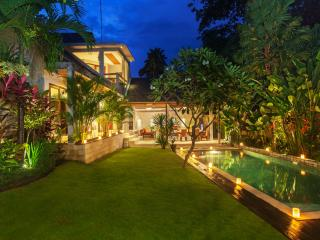 2 BR Villa Liang With Private Pool Near Beach, Seminyak