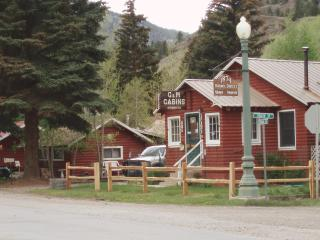 G & M Cabins, Lake City