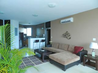 F2-9C, Luxury 9th floor 2 bedroom condo, Farallón (Playa Blanca)