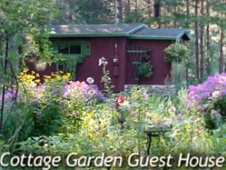 Cottage Garden Guesthouse, Lake Ann