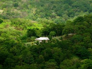 Very private cottage WITH CAR on Carriacou
