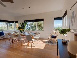 Cottesloe Beach House Stays -Executive Beach House, Perth