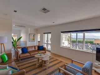 Cottesloe Beach House Stays -Executive Beach House
