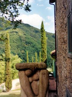 Kitchen Entrance  & sculpture
