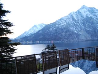 Lake Front - Luxury Villa In The Lake Como With Garden And Amazing Lake Views, Lecco