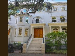 Award winning five story 3 BR home w/Elevator + garage on Forsyth Park, Savannah