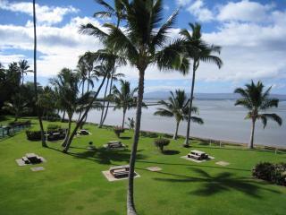 Oceanfront Molokai Shores ~ Lush tropical setting, Kaunakakai