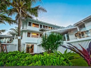 Luxury Oceanfront Villa  w/ Pool, Gym w/ Hot Tub!