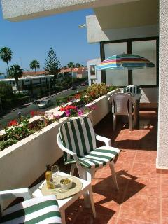 Full double balcony with sea view and two sun loungers