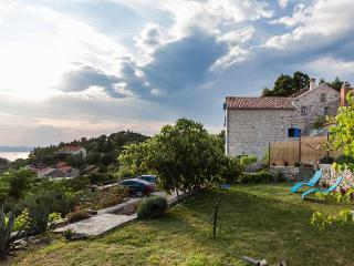 Beautiful Dalmatian stone house, Podgora