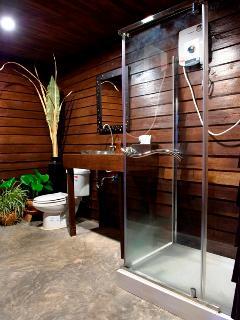 Suite One's bathroom