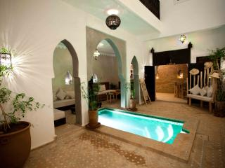 Senior Suite with breakfast in New Riad citycenter, Marrakesch