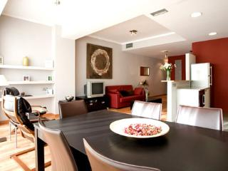 Stylish 3br apartment in the Eixample Area of Barcelona